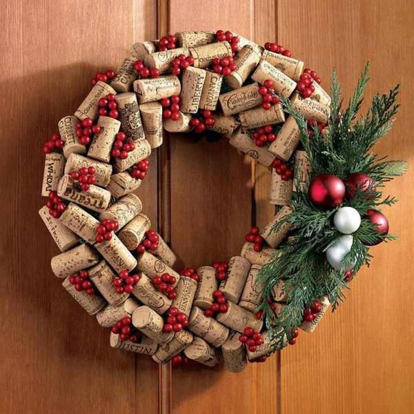 Как сделать новогодний венок на дверь своими