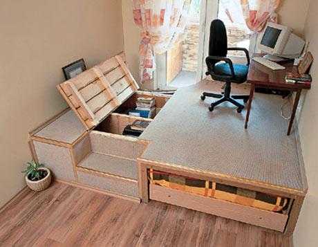 интернет-дизайн спальни с кровать-подиум.